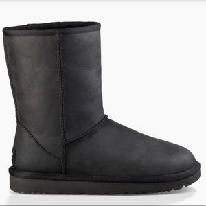 UGG | Classic Short Leather Boot